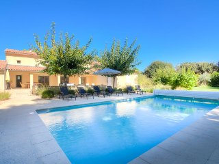 3 bedroom Villa in Carpentras, Provence-Alpes-Cote d'Azur, France : ref 5051431