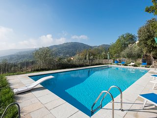 San Donato in Collina Villa Sleeps 12 with Pool and Air Con - 5049022