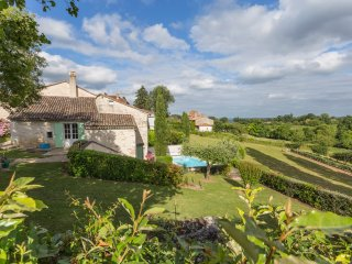 3 bedroom Villa in Vélines, Nouvelle-Aquitaine, France : ref 5049673