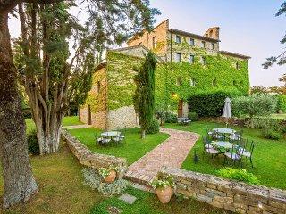 13 bedroom Villa in La Mita, Umbria, Italy : ref 5048976