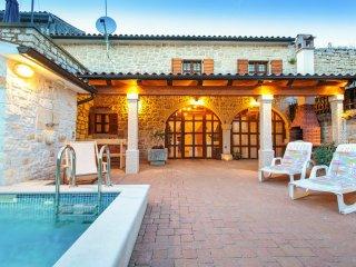 3 bedroom Villa in Kloštar, Istria, Croatia : ref 5048827