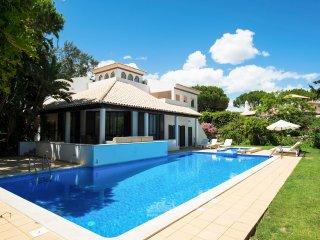 4 bedroom Villa in Aldeia das Acoteias, Faro, Portugal : ref 5049133