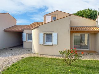 3 bedroom Villa in Vaux-sur-Mer, Nouvelle-Aquitaine, France - 5046816
