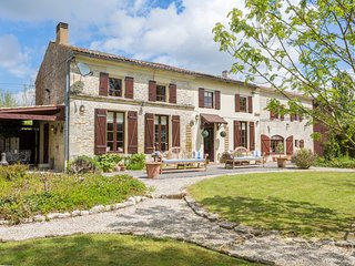 5 bedroom Villa in Courcerac, Nouvelle-Aquitaine, France : ref 5049793