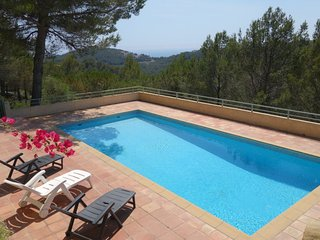 5 bedroom Villa in Bandol AOC, Provence-Alpes-Côte d'Azur, France : ref 5051501