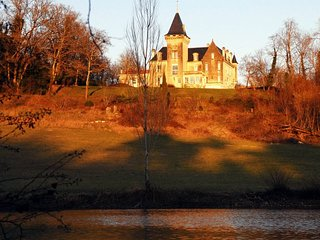 4 bedroom Chateau in Saint-Avit-Senieur, Nouvelle-Aquitaine, France : ref 504978