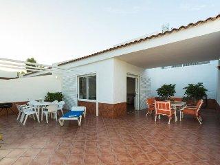 3 bedroom Villa in Maspalomas, Canary Islands, Spain : ref 5039255