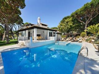 4 bedroom Villa in Aldeia das Acoteias, Faro, Portugal : ref 5049134