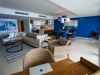 Fully Upgraded Spacious Beachfront 2 Bedroom Condo
