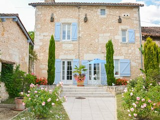 3 bedroom Villa in Saint-Germain-du-Salembre, Nouvelle-Aquitaine, France : ref 5