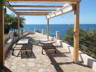 3 bedroom Villa with Air Con, WiFi and Walk to Beach & Shops - 5044851