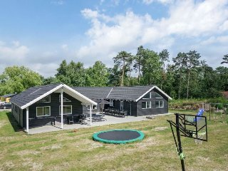 8 bedroom Villa in Snogebaek, Capital Region, Denmark : ref 5037375