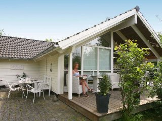 3 bedroom Villa in Dronningmolle, Capital Region, Denmark : ref 5041038
