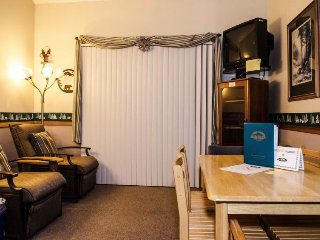 33SLL Condo near Skiing and Hiking