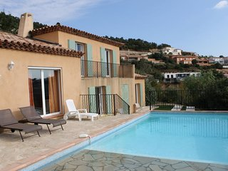 4 bedroom Villa with Pool and WiFi - 5051645