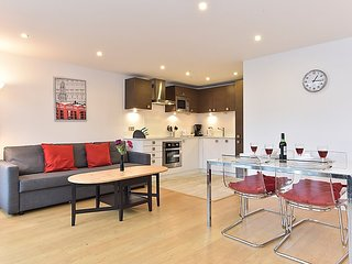 2 bedroom Apartment in City of London, England, United Kingdom : ref 5033939