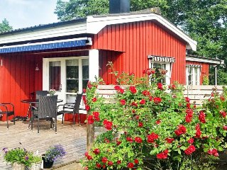 2 bedroom Villa in Trönningenäs, Halland, Sweden : ref 5033645
