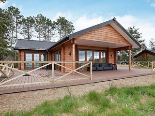 Orby Holiday Home Sleeps 6 with WiFi - 5033365