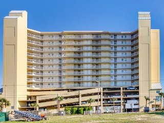 Spacious 3 bedroom, oceanfront condo in the north end of Cherry Grove