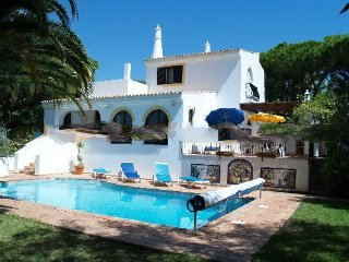 3 bedroom Villa in Vale do Garrao, Faro, Portugal : ref 5000277