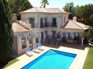 3 bedroom Villa in Vale do Lobo, Faro, Portugal : ref 5000236
