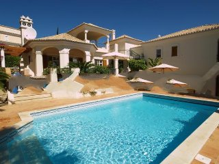 4 bedroom Villa in Vale do Lobo, Faro, Portugal : ref 5000219