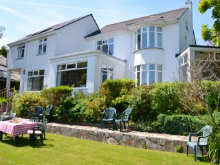 Edens Horizon 6 bedrooms sleeps 12 near Eden Project +Lost gardens of Heligan