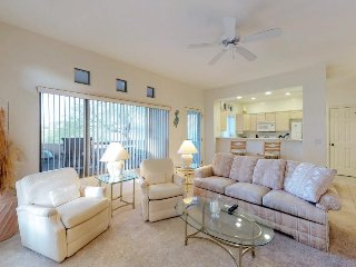 Elegant condo with on-site golf, shared pool and hot tub, and private balcony!