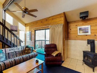 Family-friendly & mountain-view corner condo close to skiing, hiking, fishing!