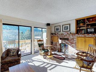 Family-friendly alpine condo with sweeping lake views, shared hot tub, & more!