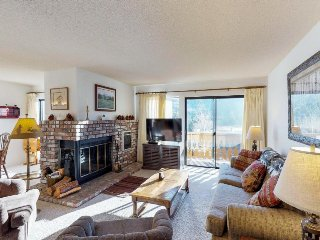 Relax with the shared hot tub at this comfortable condo near the lake!