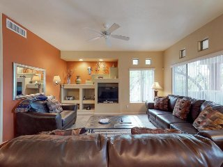 Charming home w/ shared pool, hot tub & on-site golf - close to hiking, dogs OK!