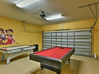 NEW-Kissimmee Resort Home w/Pool-5 Miles to Disney