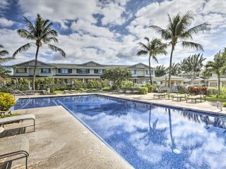 Breezy Kapolei Townhouse w/ Pool & Hot Tub Access!
