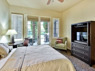 (L12-1) Lux 1BD Villa near Clubhouse with all amenities