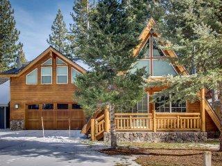 Tranquil, family-friendly A-frame retreat w/hot tub and a big backyard!