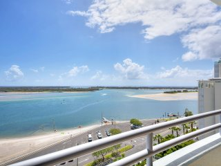 Beachfront...Ocean breezes and spectacular views!! Resort style setting.