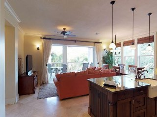 Walking distance to the Beach from this Poolside 3 Bedroom/3 Bath Villa