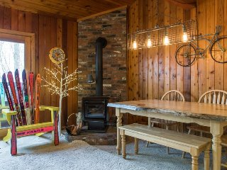 Family-friendly home with a shared hot tub, sauna, & easy mountain access!