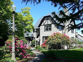 Historic Port Angeles Tudor with Views - Private En Suite Baths for All Bedrooms