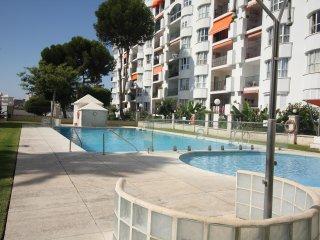 Modern Apartment in Fuengirola, 3 Mins Walk to the Beach