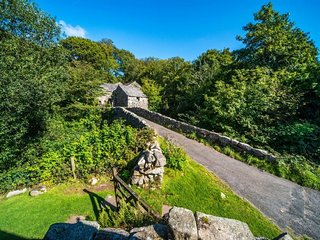 WHILLAN BECK COTTAGE, wi-fi, countryside. Ref: 972614