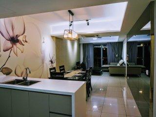 3 Bedroom KL Tower View Apartment at Kuala Lumpur City Center 2110