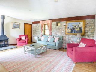 FLOWER HOUSE, spacious, games room, near Marazion, Ref 958848
