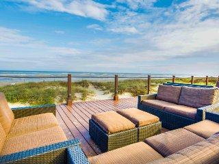 Dog-friendly oceanview condo, with a shared pool, hot tub, and tennis!