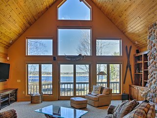 Lakefront Hayward Home w/ Dock, Kayaks & Fire Pit!