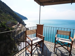 yy.L' Artista Exclusive Sea View Apartment