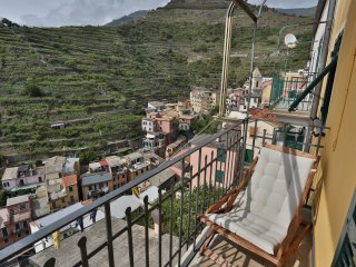 yy.Radici Sea View Apartment with Balcony