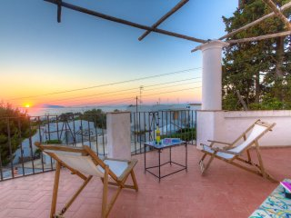 HolidayVilla for RENT in CAPRI 3bdr 2bathr WiFi Airco Anacapri seaview terrace