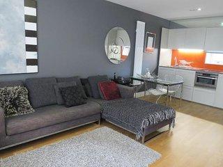 Luxury Modern Apartment - Perfect Location